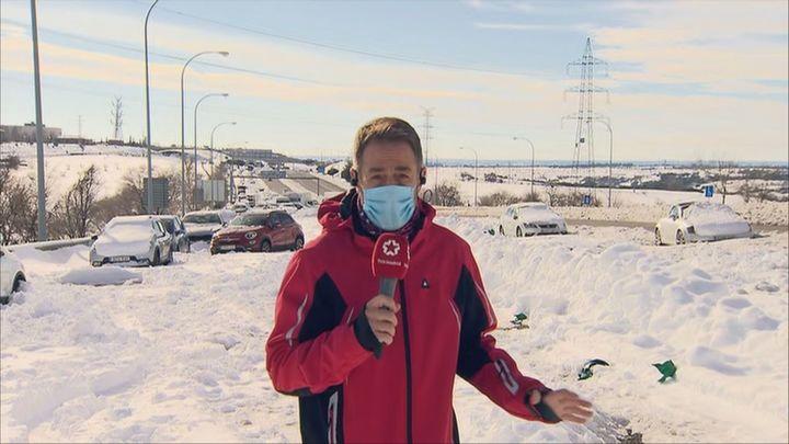 300 vehículos permanecen aún bloqueados en la trampa de nieve de la M-40