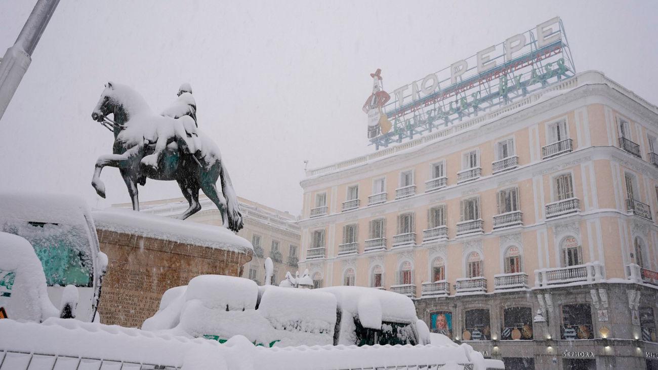 La Puerta del Sol, cubierta bajo la nieve