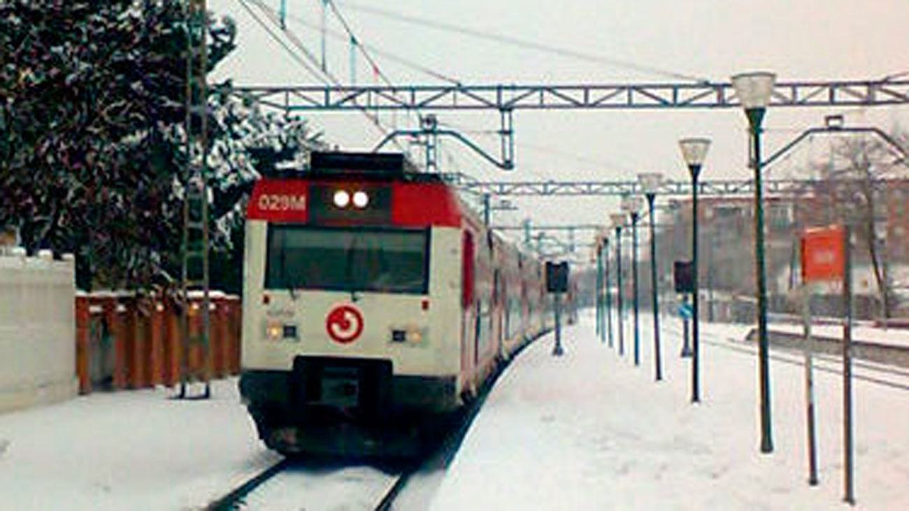 Cercanías reanuda la circulación en Madrid aunque con retrasos debido al temporal