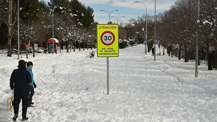 Algete, Alcalá, Boadilla, Móstoles, Valdemorillo.... Todas luchando contra la nieve y el hielo