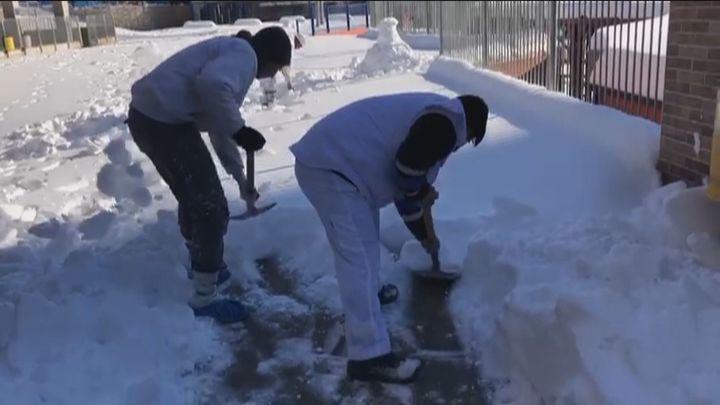 ¿Cuándo podrán volver los escolares madrileños a las aulas  tras la nevada?
