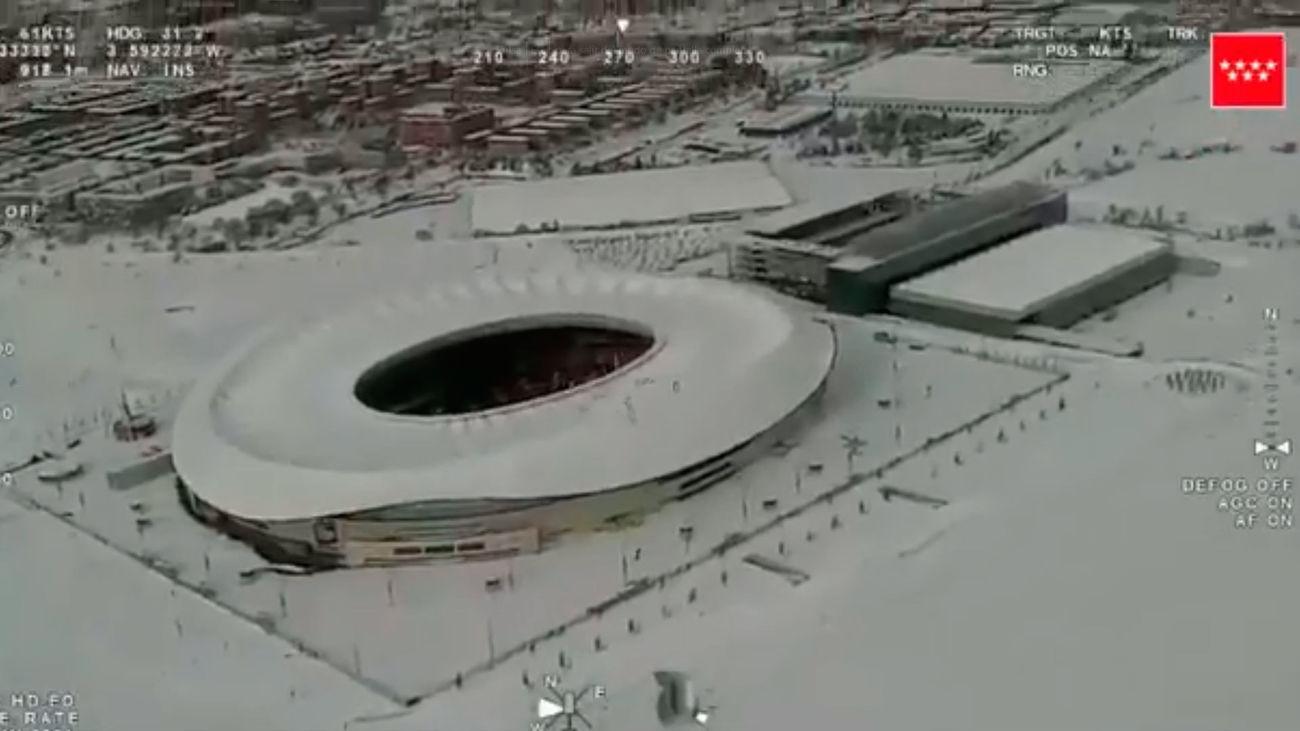 El Wanda Metropolitano, completamente cubierto por la nieve