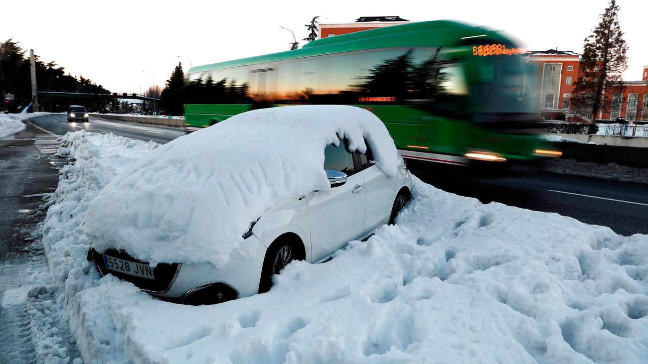 Cómo poner en marcha tu coche tras pasar estos días bajo la nieve