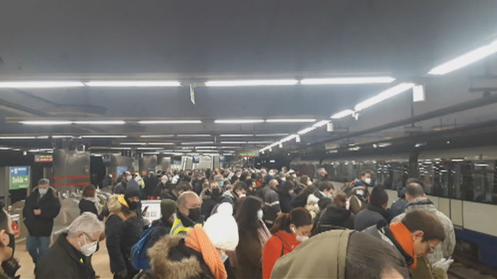 Un 21% más de viajeros en hora punta en el Metro, único medioen Madrid para poder llegar al trabajo