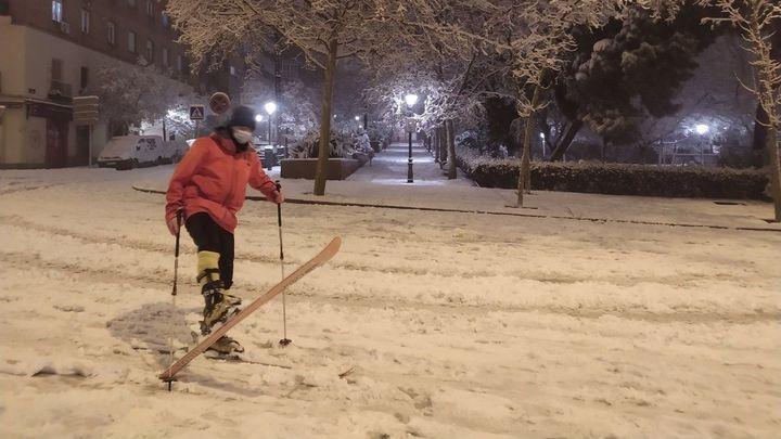 Los fisioterapeutas advierten del peligro de hacer deporte con la nieve caída