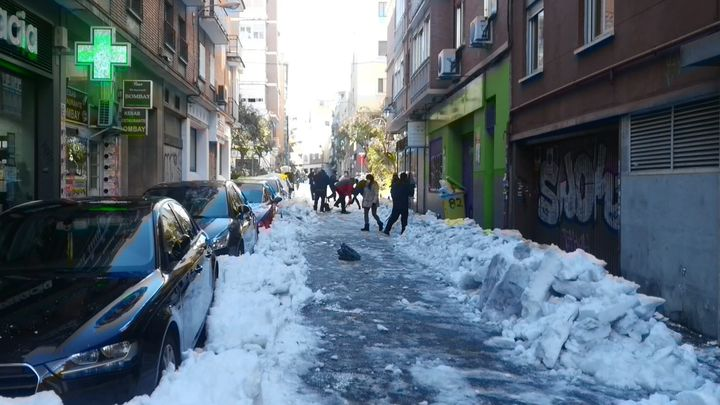 Una jornada histórica de frío intenso en Madrid, minuto a minuto
