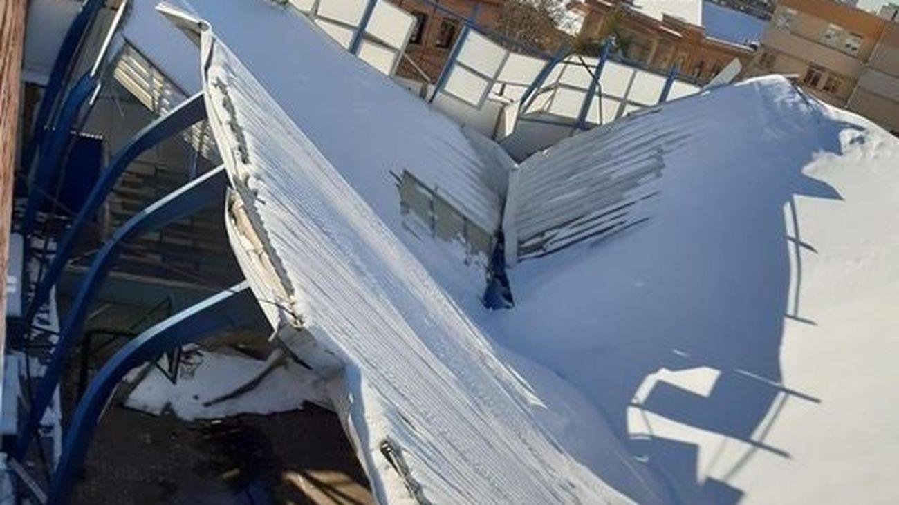 'La Nevera', hundida por la nieve