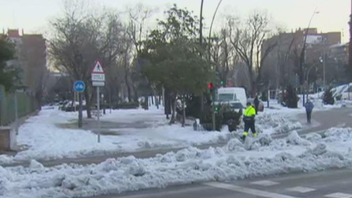 Móstoles muy castigada por 'Filomena' con calles intransitables, miles árboles caídos y destrozos en cables de  la luz
