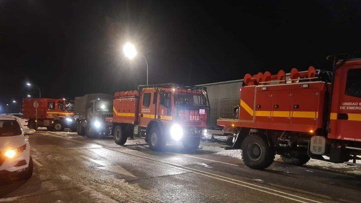 La UME se despliega en Parla para ayudar a retirar la nieve