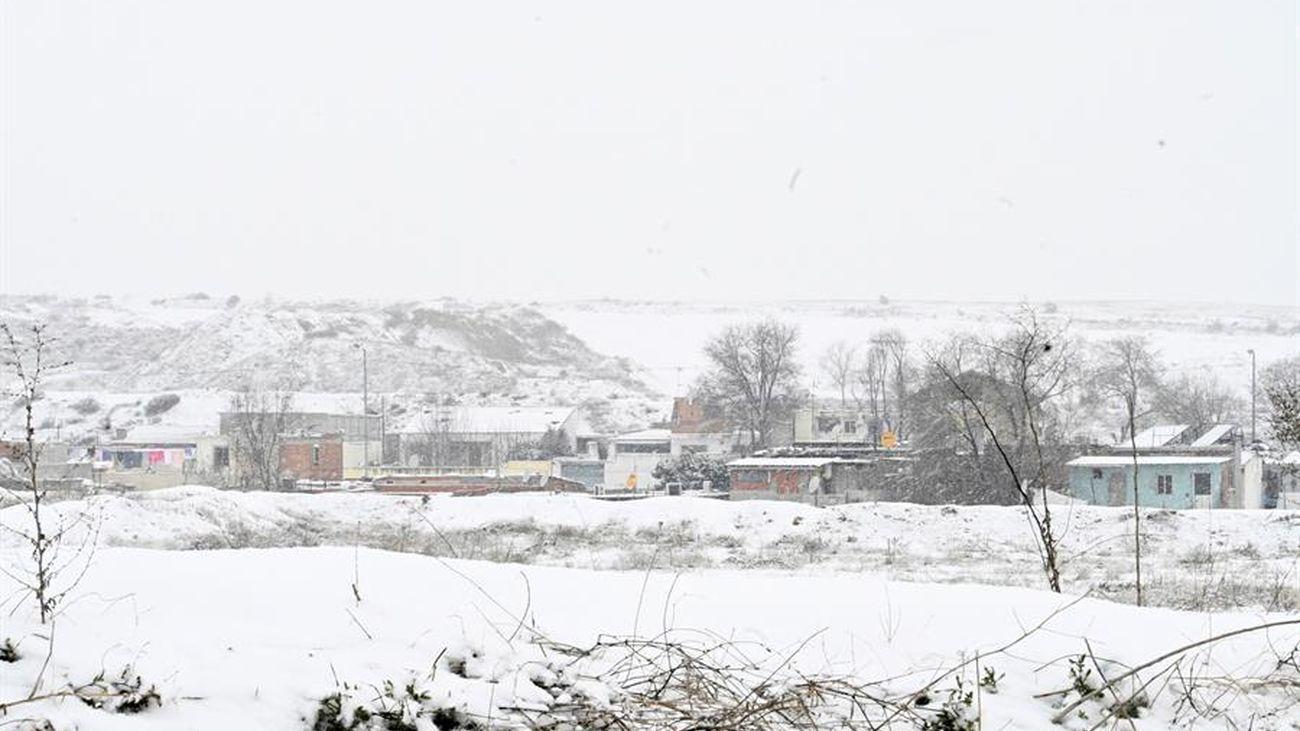 Vista de la Cañada Real cubierta de nieve