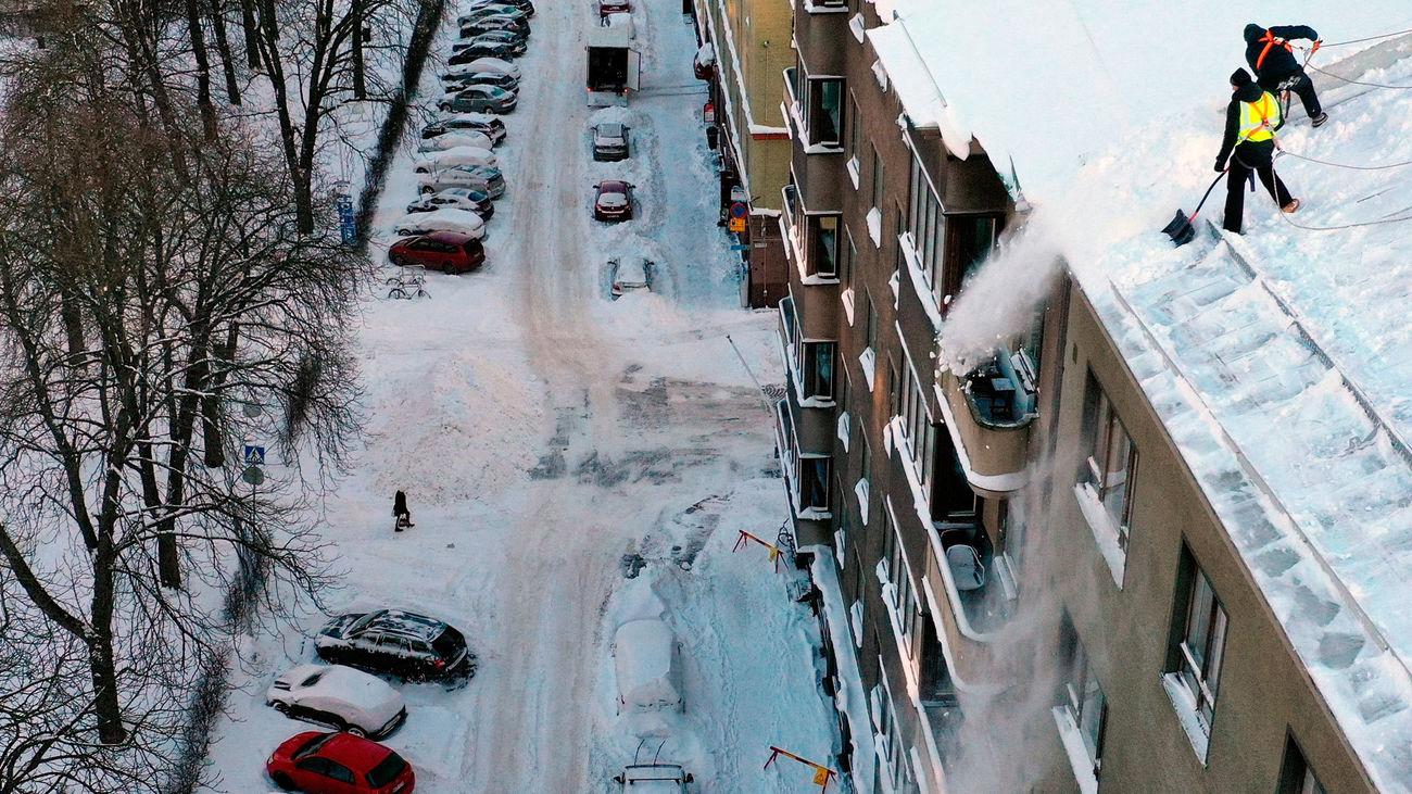 ¿Cómo debemos reclamar daños en nuestra comunidad de vecinos por la nevada?