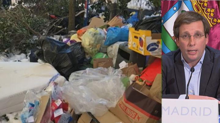 Retiradas de las calles de Madrid 1.100 toneladas de basura con el cien por cien de los camiones funcionando