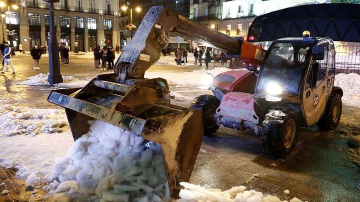 Críticas de la oposición a Almeida por la gestión de la nevada, pero apoyo a la petición de zona catastrófica