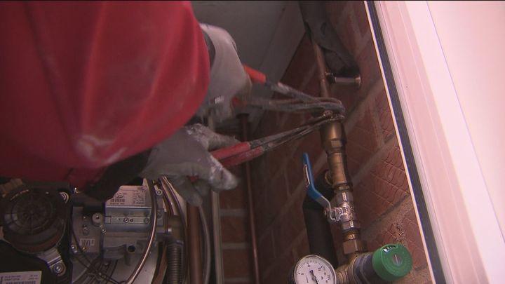 Alemania ofrece empleo a electricistas, frigoristas y fontaneros