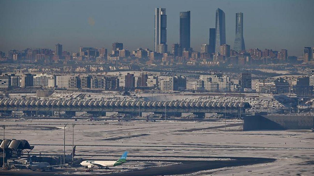 Vista de Madrid desde el aeropuerto de Barajas días después de la gran nevada