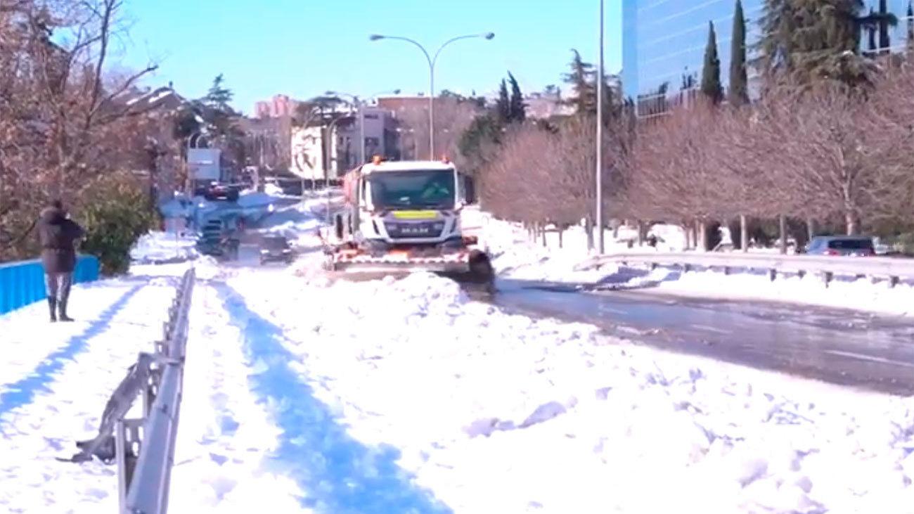 Las quitanieves del Ministerio de Transportes prestarán servicio en las calles de Madrid el fin de semana