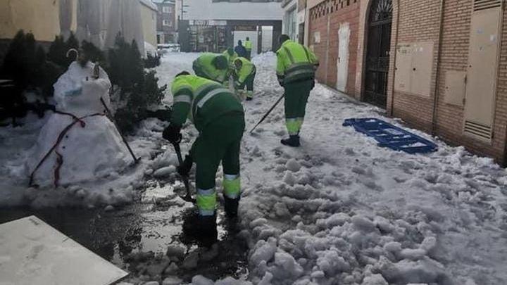 Pozuelo contrata, de forma temporal, 100 nuevos operarios para retirar la nieve