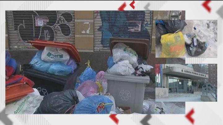 Vecinos de Tetuán temen que la basura acumulada se convierta en un problema de salud pública