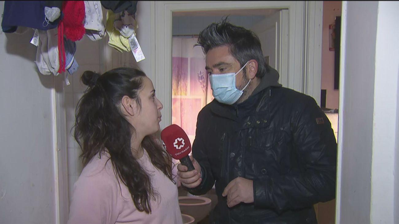 Vecinos de Carabanchel se movilizan para ayudar a una pareja de Aluche que teme perder a sus hijas