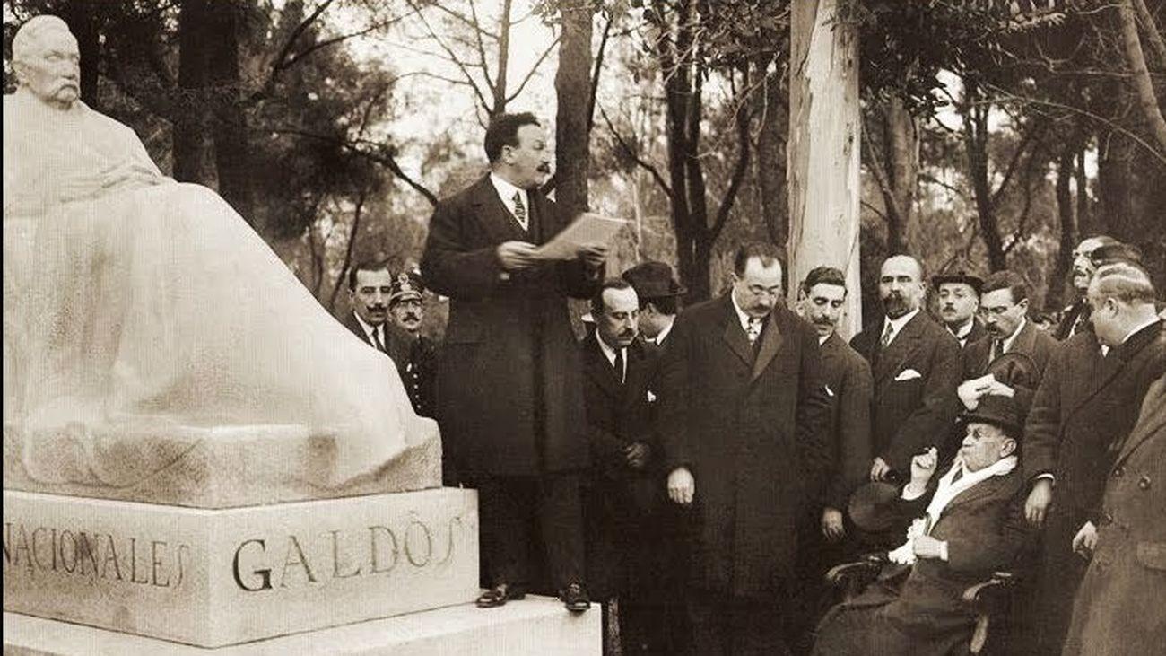 Inauguración de la estatua de Galdós en el parque de El Retiro