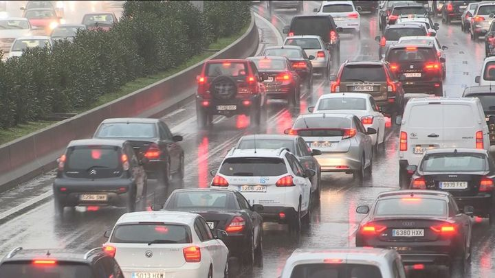 Plan preventivo en las carreteras y en el metro de Madrid ante el anuncio de lluvias