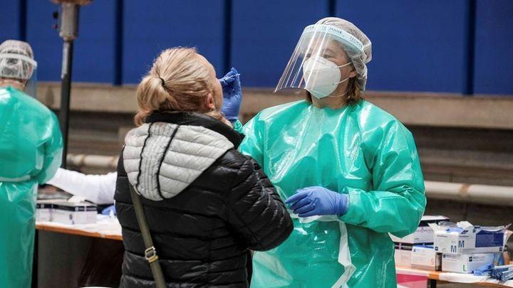 Los contagios de coronavirus crecen en Madrid y aumenta la presión en los hospitales