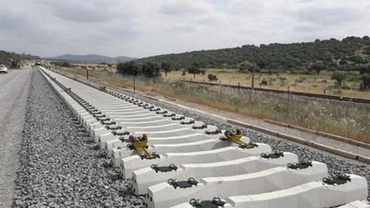 Vía de tren en construcción
