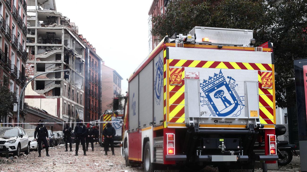 Camiones de Bomberos aparcados en la calle Toledo