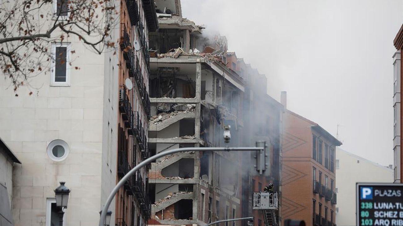 Edificio destrozado tras una explosión en la calle Toledo