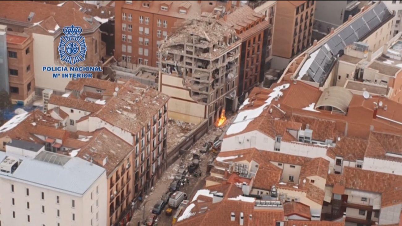 Imágenes aéreas de la zona de la explosión en la calle Toledo de Madrid
