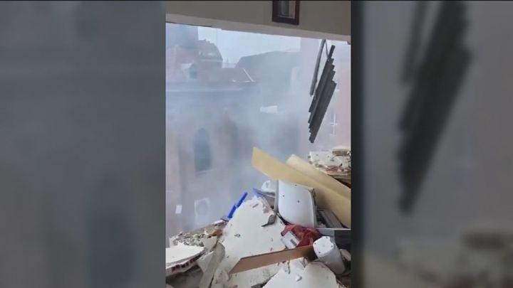 Atrapado en el quinto piso tras ver explotar su edificio