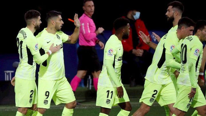 1-2. Un doblete de Luis Suárez da la victoria al Atlético ante el Eibar