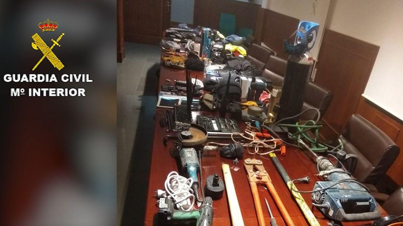 Elementos incautados por la Guardia Civil en la operación
