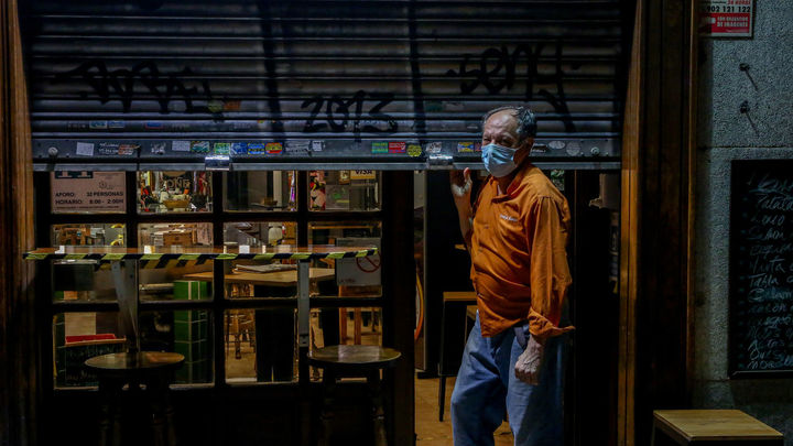 Madrid adelanta aún más el cierre de bares, restaurantes y comercios no esenciales