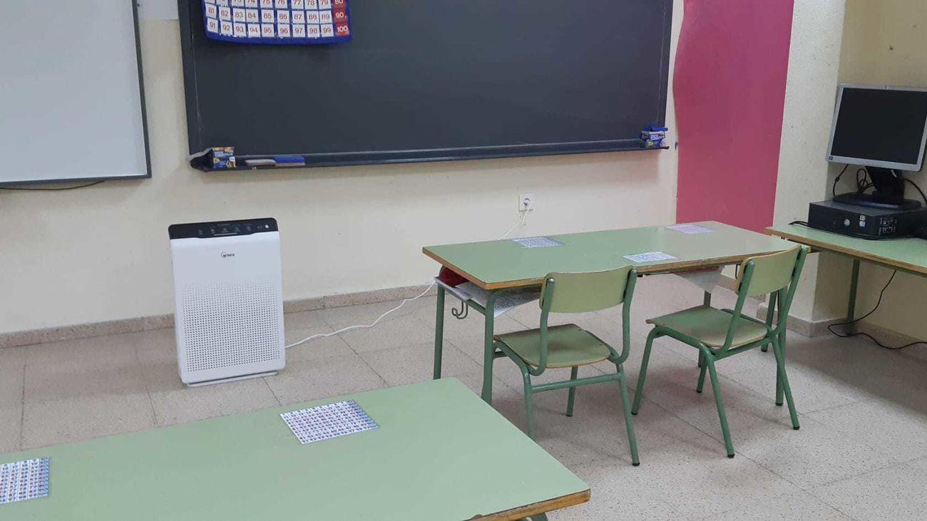 Purificador HEPA instalado en un colegio de Perales de Tajuña