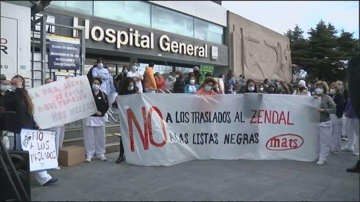 """Protesta de sanitarios en La Paz contra los traslados forzosos al Zendal y las """"listas negras"""""""