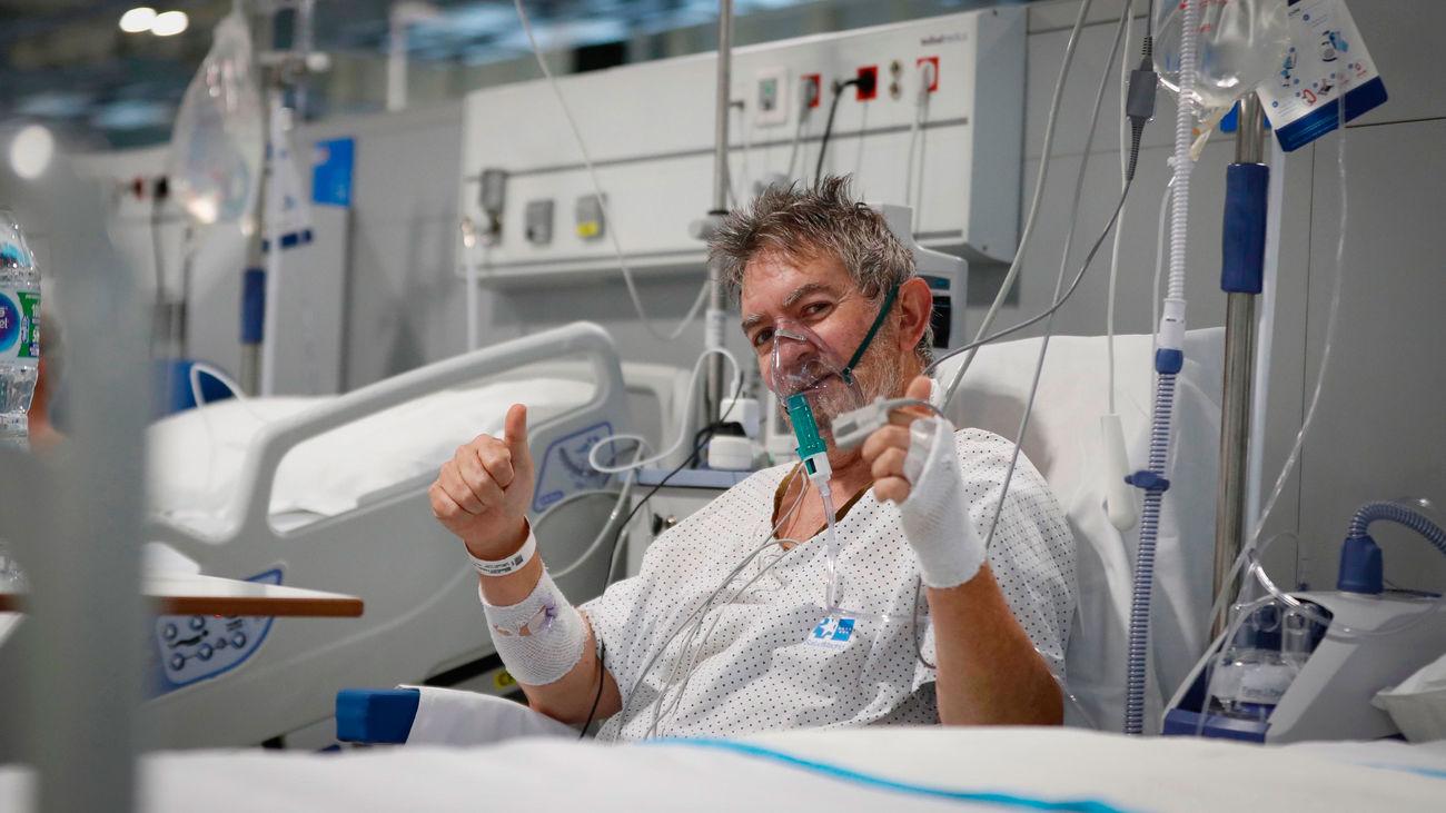 Paciente ingresado en el hospital de emergencias  Enfermera Isabel Zendal