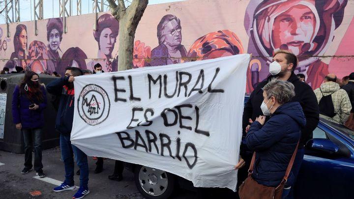 """Más Madrid tacha de """"títere de los trumpistas"""" a Almeida por querer borrar el mural feminista de Ciudad Lineal"""