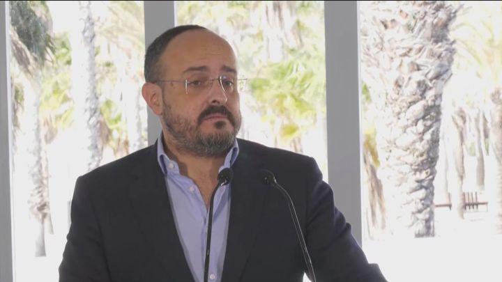 """Alejandro Fernández (PP) acusa a Illa de tomar decisiones en función de """"su calculadora electoral"""""""
