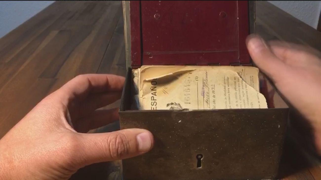 La historia de una misteriosa caja, decenas de fotos antiguas y un nombre, Juan Acedo Blanco