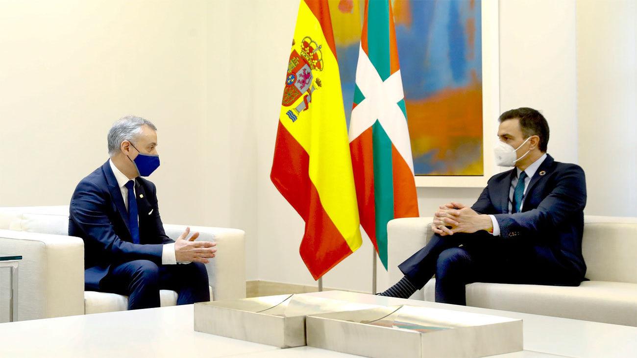 Urkullu pide a Sánchez en la Moncloa que adelante a las 20 horas el toque de queda