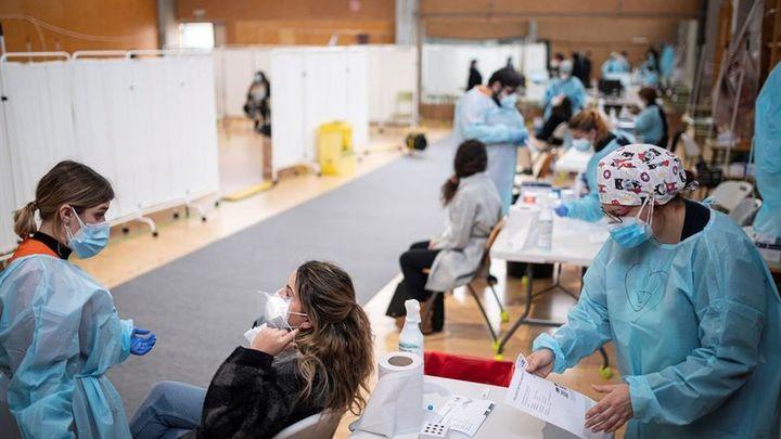 La tercera ola del coronavirus golpea con dureza a Madrid