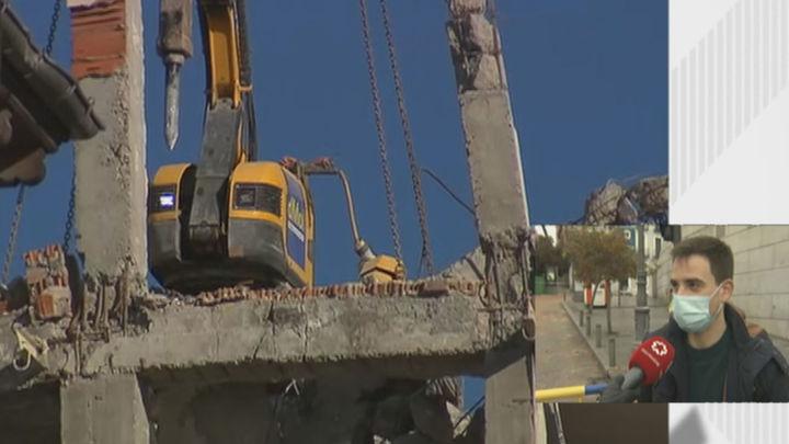 Los vecinos del 102 de la calle Toledo afectados por la explosión aún no saben si serán realojados