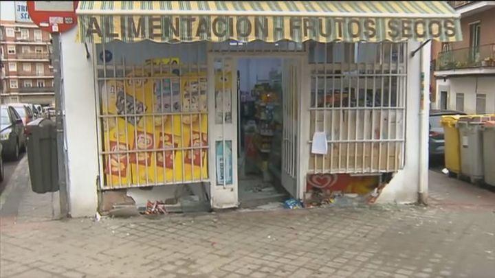 Robo con alunizaje en una pequeña tienda de alimentación del barrio del Lucero
