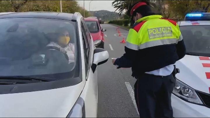 Médicos y comerciantes catalanes ven incoherente permitir la movilidad para ir a mítines de cara al 14-F