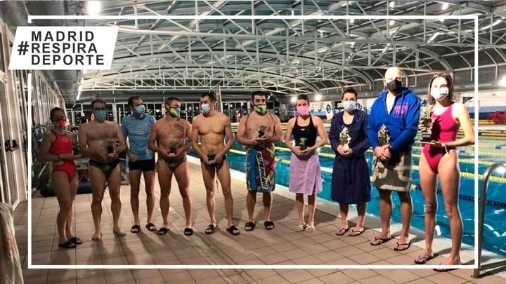 Jimena Madoz conquista el triatlón'100 veces 100' del Real Canoe