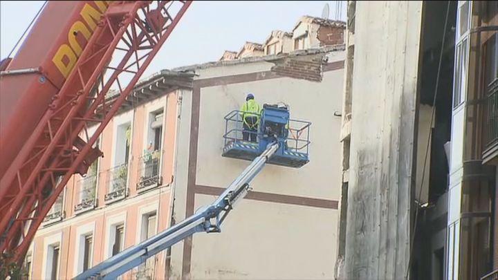 Los vecinos del 102 vuelven a sus casas una semana después de la explosión en la calle Toledo