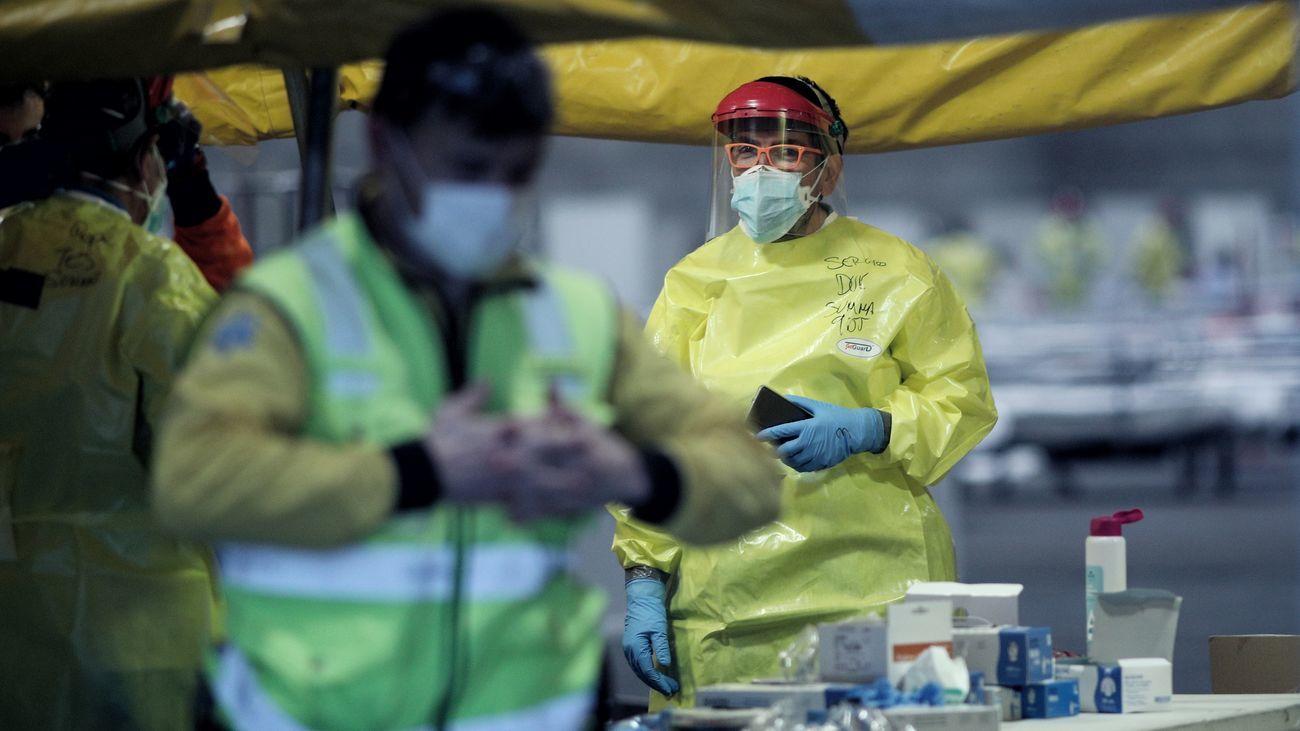 Médicos del SUMMA con equipos de protección individual