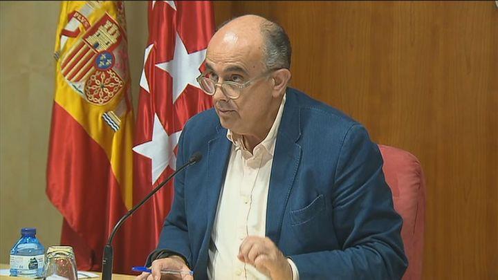 """Zapatero llama a quedarse en casa, """"no estamos para fiestas ni reuniones"""""""