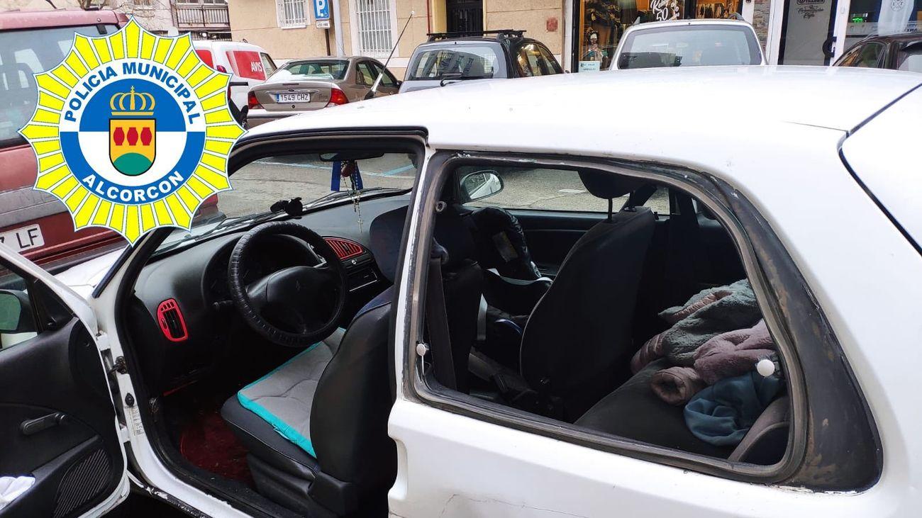 Rescatan a una niña de 10 meses atrapada en el coche de su madre en Alcorcón